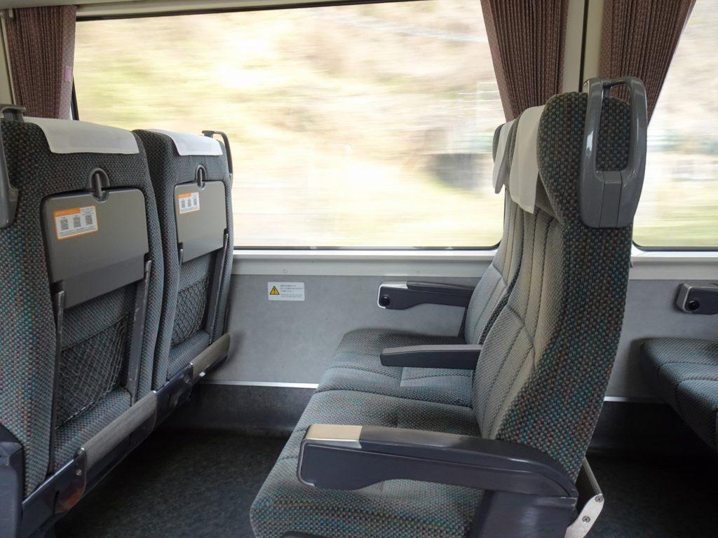 383系の普通車の座席