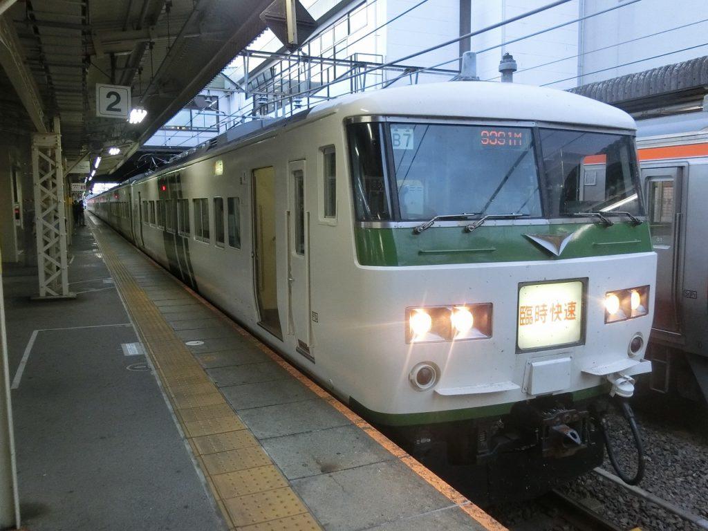 大垣駅に到着した「ムーンライトながら」