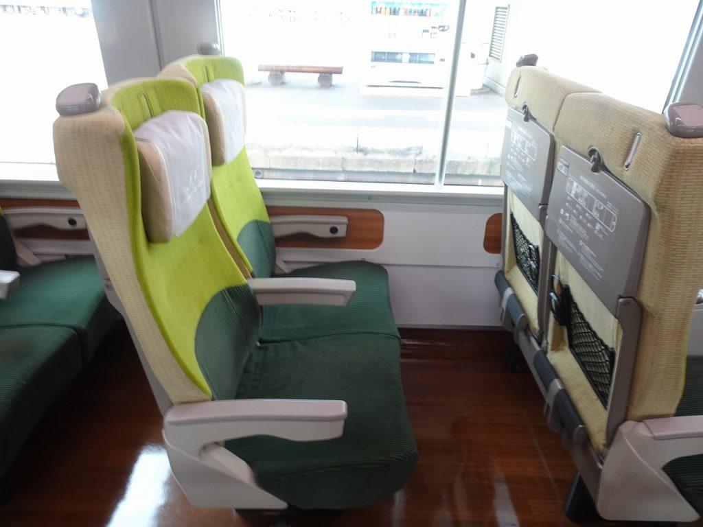 8600系の普通車の座席
