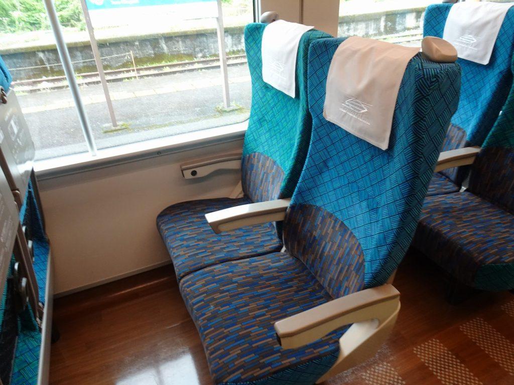 2700系の普通車の座席