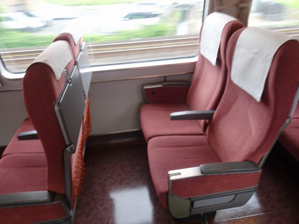 681系の普通車の座席