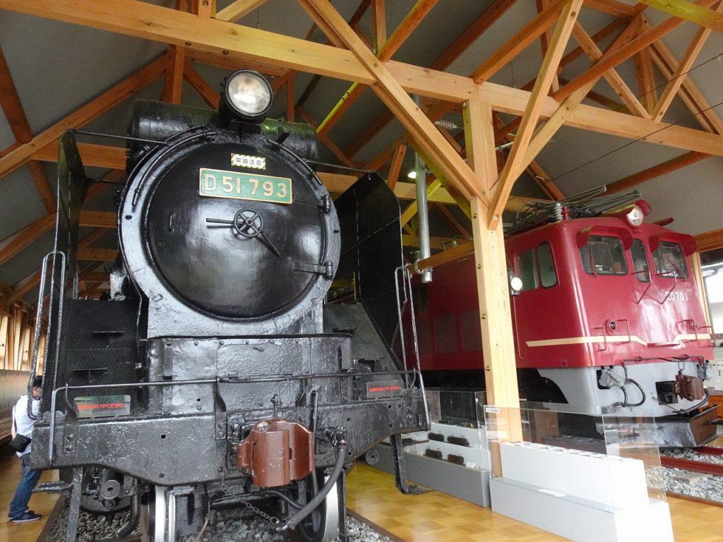 長浜鉄道スクエアの蒸気機関車と電気機関車