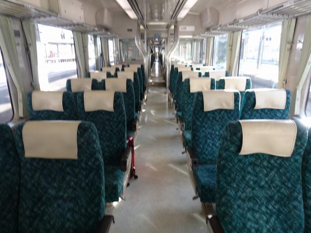 釜石線快速「はまゆり」の自由席の車内