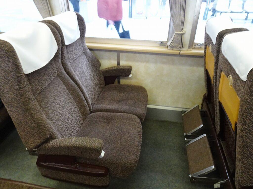 185系200番台のグリーン車の座席