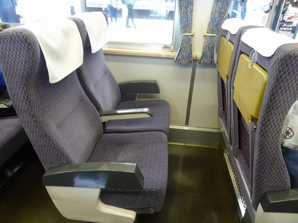185系200番台の普通車の座席
